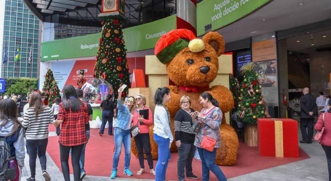 Consumidor vai priorizar presentes dos filhos, mulher, marido e mães no Natal