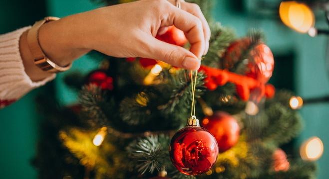 Natal deve ser comemorado em local arejado, com uso de máscara e sem compartilhamentos