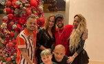 Neymar veio para o Brasil para aproveitar o Natal com a mãe, Nadine, o pai, Neymar, a irmã, Rafaella, e o amigo-irmão Jota Amancio