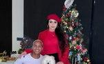 Deyverson também aproveitou o Natal para mostrar aos fãs a nova namorada, Karina. Os dois ficaram na Espanha, onde o atacante joga no time do Alavés