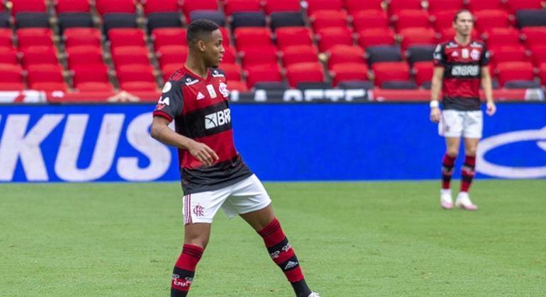 Zagueiro Natan, emprestado pelo Fla, é oficializado no RB Bragantino