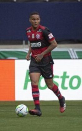 NATAN - 6,0 - Sofreu para fazer a cobertura de Filipe Luís com os avanços de Keko nos minutos iniciais. Com o passar do tempo e o domínio do Flamengo, atuou mais tranquilo e, por pouco, não contribuiu com um gol: foi mais um a parar em Tadeu.
