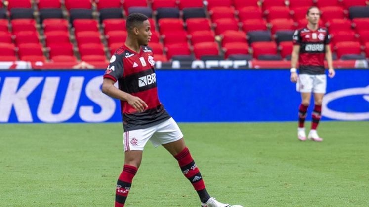 Natan (zagueiro) - O Flamengo recebeu R$ 5 milhões pelo empréstimo de Natan ao Red Bull Bragantino, que tem obrigação de compra de R$ 22 milhões caso o jovem atue em 20 jogos oficiais pelo clube paulista na temporada - já soma 10.