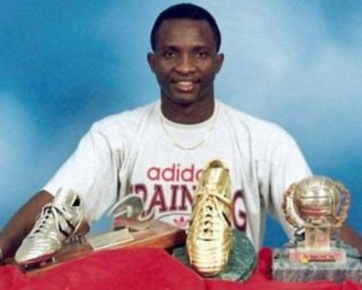 Natural da Nigéria, o atacante Nicky foi ídolo do Vitória nos anos 1980. Foi artilheiro do Campeonato Baiano de 1985, com 22 gols. Também teve uma segunda passagem pelo clube em 1994