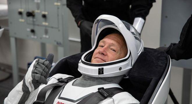 Hurley se prepara para o lançamento