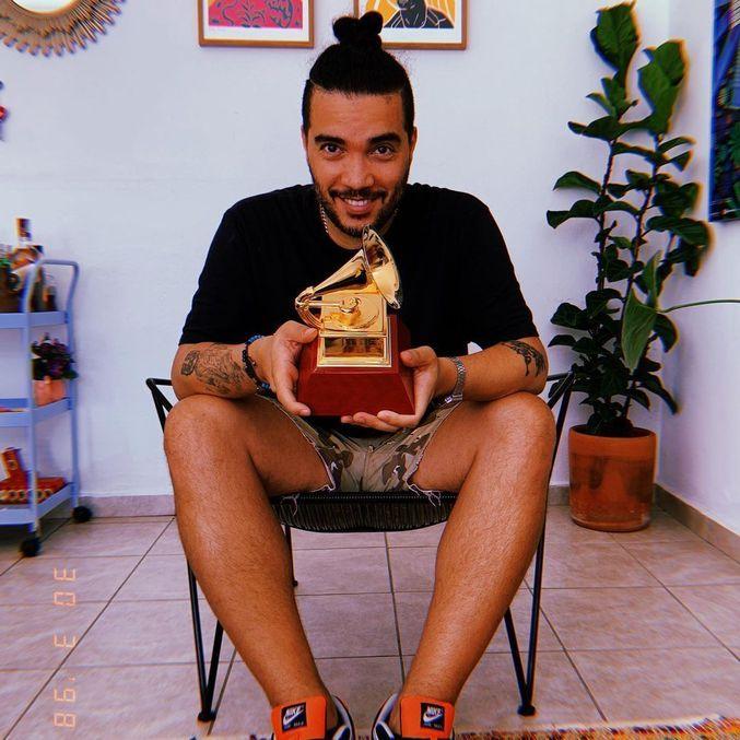 Nave Beatz ganhou o Grammy Latino 2020 pela produção do álbum AmarElo, do rapper Emicida
