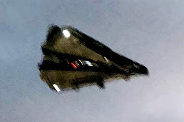 As descrição fez com que grande parte dos teóricos conectassem o avistamento como prova da existência da infame aeronave TR-3B