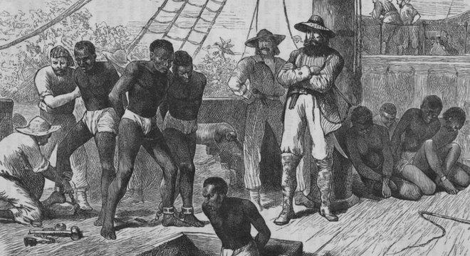 Estima-se que cerca de 2 milhões de homens, mulheres e crianças escravizados tenham morrido nas viagens entre os continentes africano e americano