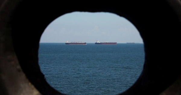 Exército do Irã apreende navio petroleiro britânico