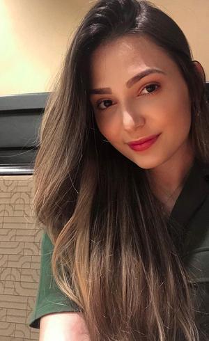 Nayra, 18 anos e redação Mil