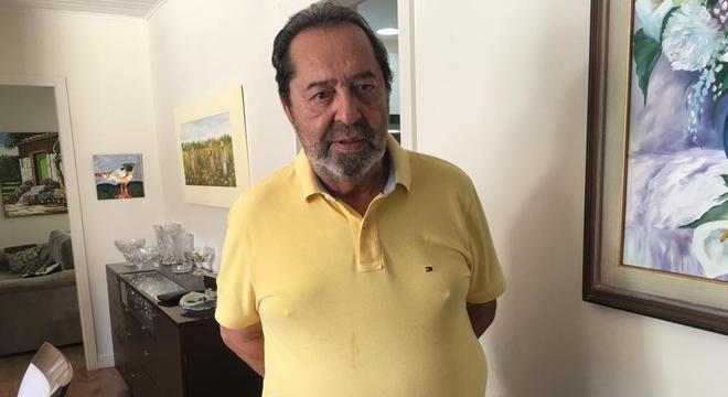 O veterinário Nei Celso Fatuch, 70, faz diálise há 1 ano e meio