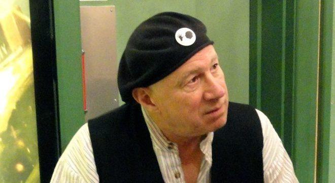 Neil Innes, músico e comediante de Monty Python, morre aos 75 anos