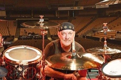 Neil Peart, baterista da banda Rush, morre aos 67 anos