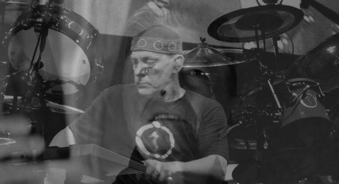 10 de Janeiro: perdemos Neil, relembramos Bowie e ouvimos Ozzy cantando sobre a morte com Elton John