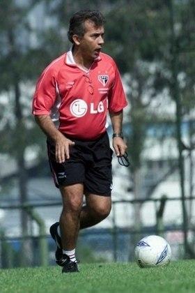 Nelsinho Baptista - No São Paulo, Nelsinho foi conhecido por ser o treinador campeão paulista de 1998. Treinou o time novamente em 2001 e 2002.