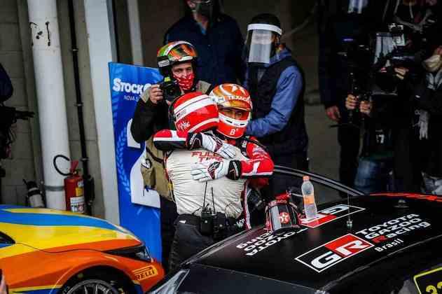 Nelsinho Piquet comemora a vitória de sábado em Interlagos
