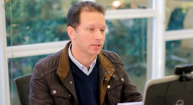 Nelson Marchezan Júnior, prefeito de Porto Alegre (RS), ignora decreto federal
