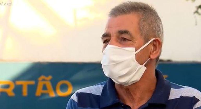 Nelson Pereira foi barrado na vacinação por estar a pé em drive-thru