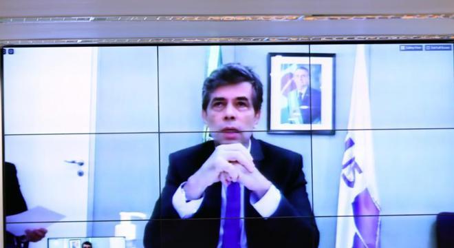 Ministro da Saúde, Nelson Teich, participa de reunião de comissão da Câmara