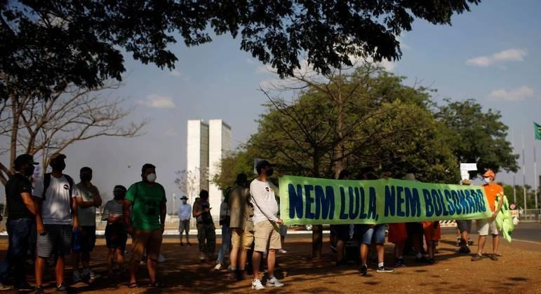 Manifestantes em ato do MBL no último domingo (12)