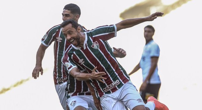 O alegre Nenê comemora. Fluminense chegou a ter 80% de posse de bola