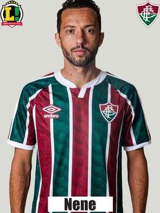 Nene - 5,0 - Iniciou a jogada que resultou no segundo gol do Fluminense e deu ofensividade ao time.