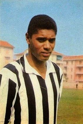 Nené - atacante - 1963/1964 - 34 jogos e 12 gols - Clubes no Brasil: Santos