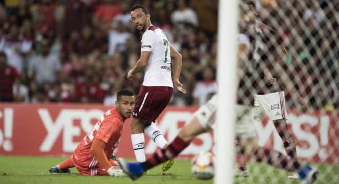 Veterano Nenê, do Fluminense, marcou golaço de calcanhar contra Flamengo