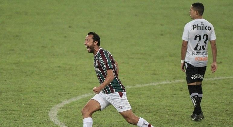 Nenê, aos 39 anos, continua decidindo para o Fluminense. Ele jogou no Santos em 2003