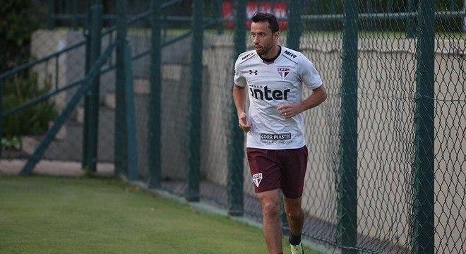 Nenê volta ao time do São Paulo para enfrentar o Rosario Cental nesta quarta (9)