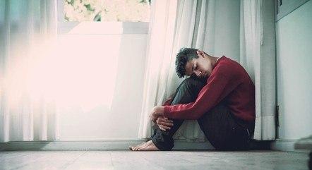 Ansiedade é um dos distúrbios que contribuem para as causas de suicídio no mundo