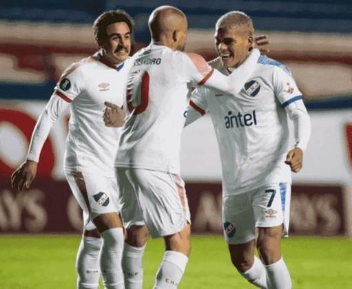 Nesta edição da Copa Libertadores, o Nacional-URU se superou e venceu a Universidad Católica por 1 a 0, mesmo com sete desfalques por coronavírus.