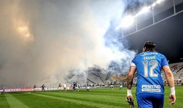 Nesta quinta-feira, diante do Bahia, na Fonte Nova, Cássio chegará a mais uma marca história pelo Corinthians. O goleiro completará 500 jogos com a camisa alvinegra. Relembre, na galeria a seguir, alguns dos grandes momentos do Gigante no Timão: