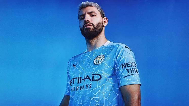 Nesta quinta-feira, Manchester City e Puma lançaram o novo uniforme titular do clube, que será usado durante a temporada 2020/2021. O design da nova camisa 1 traz referências aos mosaicos localizados no centro criativo do