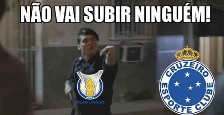 Nesta terça-feira, o Cruzeiro sofreu a virada para Ponte Preta, ficou nos 40 pontos (11ª posição) na Série B, e faltando 7 jogos para o final da competição vê o acesso à Série A cada vez mais improvável. O desespero da Raposa não foi perdoado por rivais e foi prato cheio para memes nas redes sociais. Confira!