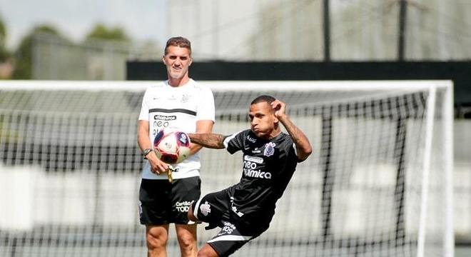 Neste domingo, contra o Guarani, Vagner Mancini fará seu 33º jogo no comando do Corinthians e, nesse período, o técnico montou uma espinha dorsal com seus jogadores