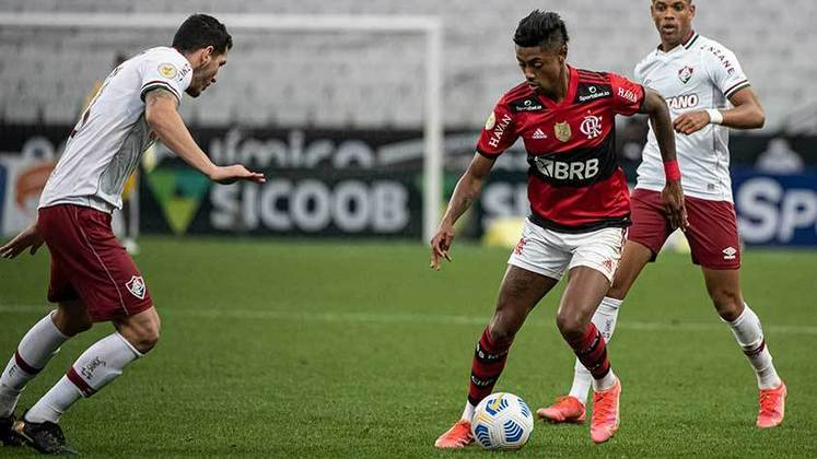 Neste domingo, o Fluminense venceu o Flamengo por 1 a 0, na Neo Química Arena. Após um primeiro tempo dominado pelo Flamengo, o Tricolor equilibrou o jogo e marcou a vitória com gol de André nos acréscimos. Confira a nota dos jogadores a seguir. (Por Ana Daróz; anapereira@lancenet.com.br)
