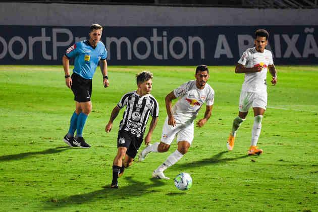 Neste domingo, Santos e Red Bull Bragantino ficaram em empate por 1 a 1 no estádio Nabi Abi Chedid, em Bragança Paulista (SP). O gol do Santos saiu após jogada de Soteldo, que desviou no rival Léo Ortiz e entrou. O venezuelano foi o melhor do Peixe no duelo. Veja as notas do LANCE! para o Santos.