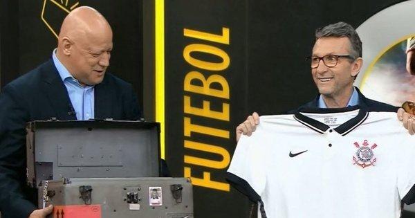 Corinthians, cruel. Lança a camisa mais cara do Brasil. R$ 399,90 – R7