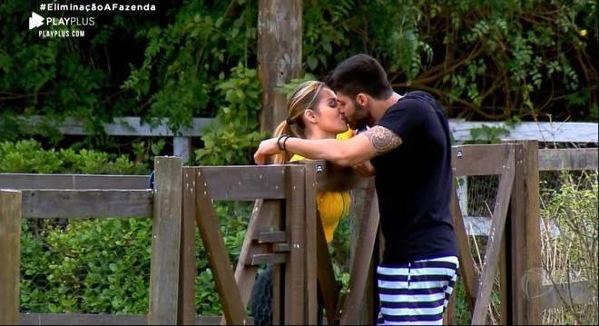 Aricia Silva e Netto foram o primeiro casal a se assumir dentro do reality