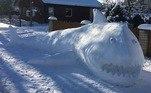 A temperatura chegou a ficar negativa naquele país, o que ajuda a obter uma textura de neve perfeita para as criações. Este tubarão tinha um tamanho impressionante