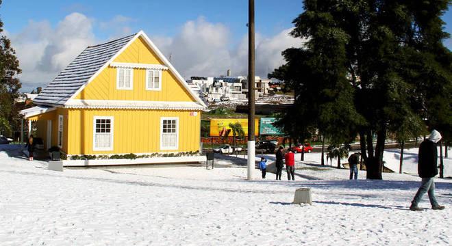 Estados do sul e sudeste brasileiros podem ter neve e geada neste fim de semana