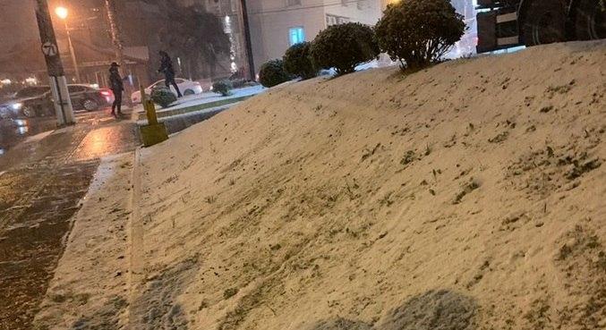 Gramado registrou neve nesta quarta-feira (28)