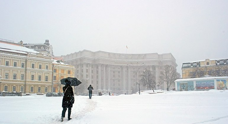 Nevascas gigantes atingem a Ucrânia esses tempos (e em 2018, quando essa foto foi tirada)
