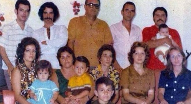 """""""Toda a família reunida 1972- Antes do Secos e Molhados"""""""