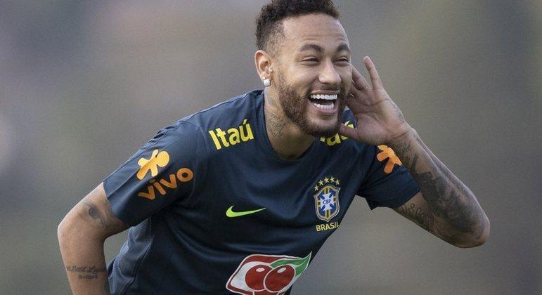 Neymar segue treinando. Sem se posicionar sobre a Copa América no Brasil, no auge da Covid