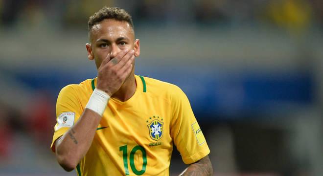 Neymar nega a acusação e divulga mensagens trocadas com a denunciante