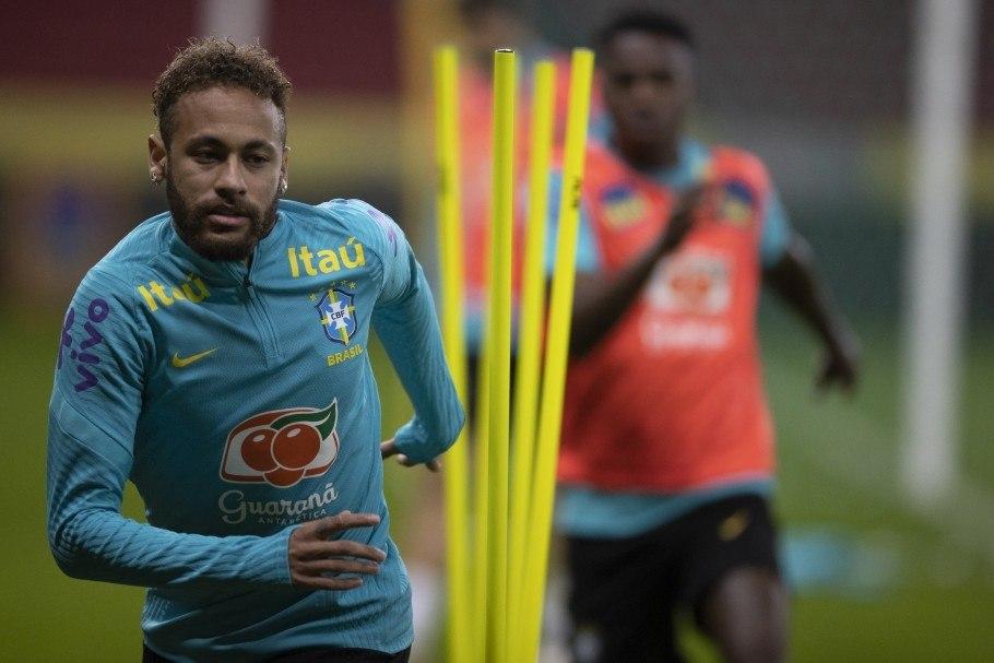 Neymar e os demais jogadores não deram entrevista por quatro dias. CBF não quis