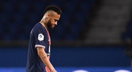 Neymar jogou sem a companhia de Mbappé