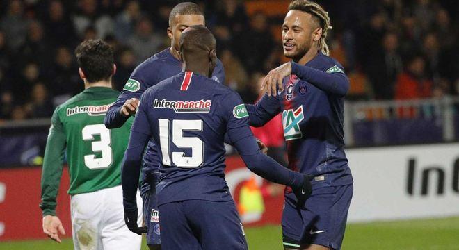 Neymar marcou um dos gols do PSG na vitória sobre o Pontivy